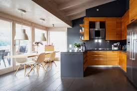 küche mit dachschräge ideen bilder zum einrichten