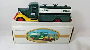 VINTAGE 1980 HESS Toy Truck With Original Box