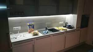 beleuchtung kuche hangeschrank caseconrad