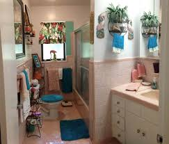 Retro Design Dilemma: Paint Colors Or Wallpaper For Diane's Kitschy ... Winsome Bathroom Color Schemes 2019 Trictrac Bathroom Small Colors Awesome 10 Paint Color Ideas For Bathrooms Best Of Wall Home Depot All About House Design With No Windows Fixer Upper Paint Colors Itjainfo Crystal Mirrors New The Fail Benjamin Moore Gray Laurel Tile Design 44 Outstanding Border Tiles That Always Look Fresh And Clean Wning Combos In The Diy