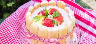 russe mit erdbeeren cremig süß sommerlich