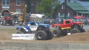 100 Snake Bite Monster Truck 2016 Bloomsburg Jamboree Semifinals Bigfoot Vs