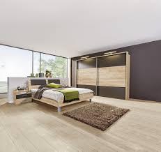 schlafzimmer in eichefarben dunkelbraun