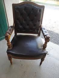 chaise de bureau chesterfield 4 fauteuils chesterfield de bureau siege visiteur facon cuir vert