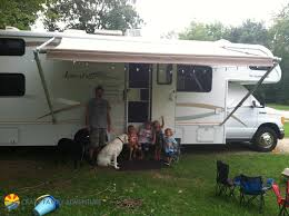 Becoming A Full Time RV Family With 4 Kids And 2 Dogs