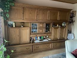 wohnwand wohnzimmer rustikal antik