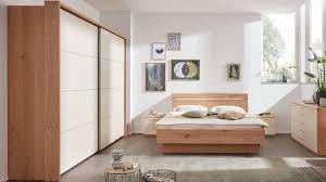 interliving schlafzimmer serie 1013 komplettzimmer mit nachtkonsolen balkeneiche sand schwebetürenschrank passepart