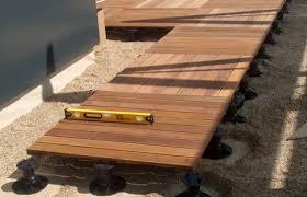 plot reglable pour terrasse bois plots pvc terrasse bois