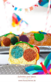 cake pop kuchen mit regenbogen und cake topper wimpelkette