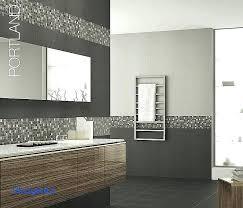 chambre avec meuble blanc meuble salle de bain avec carrelage sol et mur salle de bain luxe