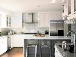 White Kitchen Cabinets Black Countertops Dark Brown Laminated Wooden Wall Mounted Cabinet Double Door Kichen Modern