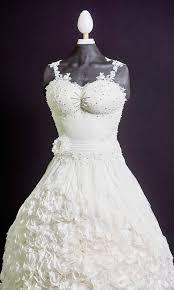 Edible wedding dress debuts at Cake International