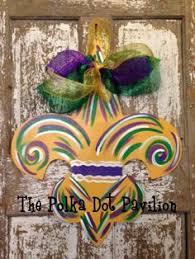 Burlap Mardi Gras Door Decorations by Will Sew Make This Burlap Mardi Gras Door Decoration Wreaths