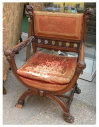 siege de style achat ancien et brocante fauteuil dagobert en noyer de style
