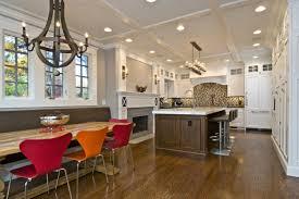 100 فكرة فريدة للجلوس في المطبخ