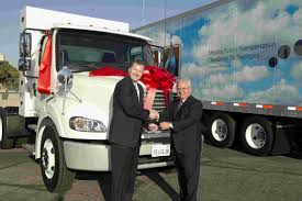 100 Ryder Truck DTNA Presents 1000th NG Truck To
