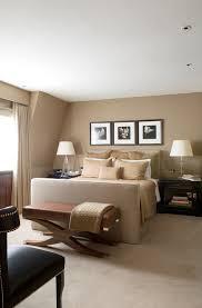 elegantes schlafzimmer mit beigefarbenen bild kaufen
