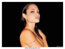 850 X 583 75 Kb Jpeg Credited To Tattoospedia Com Rihanna Collar Bone Tattoo Female Celebrity Quotes