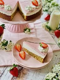 strawberries erdbeer mandel torte fashion kitchen