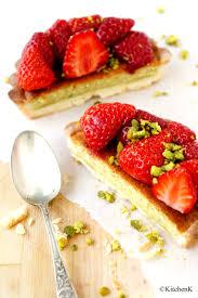tarte aux fraises pate feuilletee tarte aux fraises crème d amande à la pistache pâte sablée au