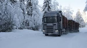 100 Trucks In Snow A Week Scania S In The Snow Renault Kangoo Factory