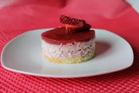 dessert aux fraises facile mousse de fraise a l agar agar dessert individuel facon fraisier