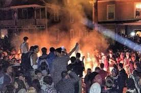 Pumpkin Festival Keene Nh 2017 by Hundreds Of College Kids Riot During New Hampshire U0027s