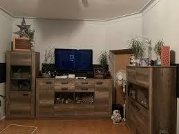 wohnzimmerwand esszimmermöbel