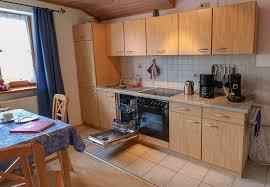 das wohnzimmer mit küchenzeile haus blumenfeld