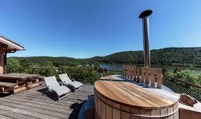 les chalets du berger location de vacances chambon sur lac