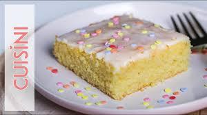 zitronenkuchen rezept vom blech der beste einfach schnell saftig blechkuchen backen
