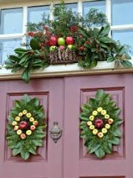 Williamsburg Decor Holiday Doors Entry Colonial Christmas Decorations Magnolias Leaves Events Worlds Catalog