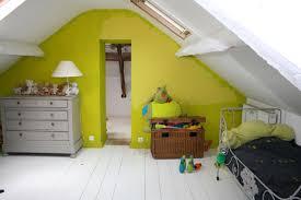 chambre bébé mansardée awesome peinture chambre bebe mansardee images lalawgroup us