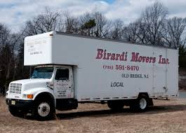 Moving Truck: What Is The Cheapest Moving Truck Rental Company Box Moving Truck Rental Services Chenal 10 Seattle Pickup Airport Pick Up Wa Cheap Cheapest Rental Truck Company Brand Coupons Trucks With Unlimited Mileage Luxury Franklin Rentals For A Range Of Trucks Near Me U0026 Van Penske Charlotte Nc Budget South Blvd Beleneinfo Companies Comparison Promo Codes Jill Cote Sale Genuine Which Moving Size Is The Right One You Thrifty Blog