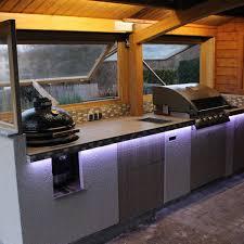 outdoorküche gemauert mit einbau gasgrill und monolith
