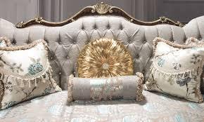 casa padrino luxus barock wohnzimmer sofa mit glitzersteinen und dekorativen kissen silbergrau braun gold 230 x 85 x h 120 cm barock möbel