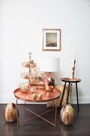 großes deko osterei zum aufstellen mit streifen relief in bronze kupfer