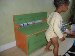 How To Make A Toy Chest by How To Build A Toy Box Peeinn Com