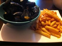 comment cuisiner des moules surgel馥s ma recette simple et délicieuse des moules marinières