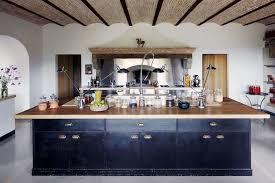 cuisine avec grand ilot central cuisine avec îlot central pourquoi l adopter et comment en tirer