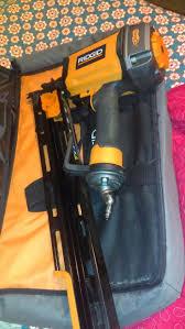 Home Depot Bostitch Floor Nailer by 24 Best Gun à L U0027air Images On Pinterest Power Tools Nail Gun