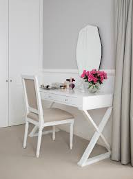 two tone walls with chair rail design ideas