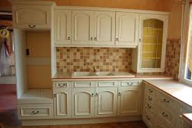 peindre meuble bois cuisine relooking meuble bois relooker ses meubles de cuisine sans se