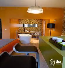 chambres hotes annecy chambres d hôtes à annecy dans un immeuble ancien iha 31274
