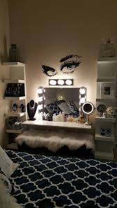 Broadway Lighted Vanity Makeup Desk Uk by Best 25 Hollywood Mirror Ideas On Pinterest Mirror Vanity