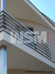 Simple Design Of House Balcony Ideas by Best 25 Balcony Railing Ideas On Transitional Deck