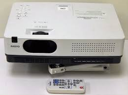 sanyo plc xw250 lcd projector vga input with l bulb tested