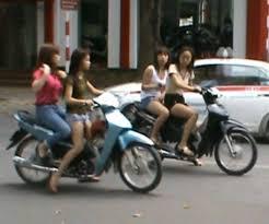 Scooter Girls Of Hanoi