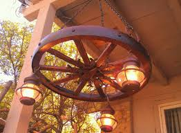 Antique Style Wooden Wagon Wheel Chandelier With Vintage Lantern Lamps Rustic Light FixturesRustic