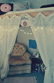 Twin Canopy Bed Drapes by College Dorm Storage Ideas Loft Bed With Curtains Dorm Room